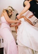 oblékání šatů