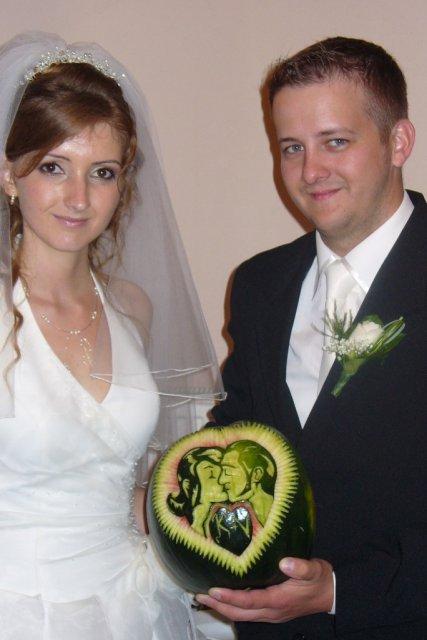 Kristína {{_AND_}}Vladislav - takéto krásne srdce vyrezané v melóne nám spravil bratranec