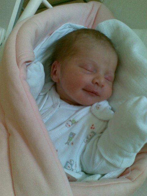 Martina Kvasničáková{{_AND_}}Tibor Tolnai - nasa Tamarka sa narodila 6. 4. 2010