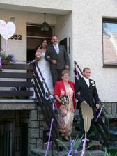 Hurá, nevěsta už vychází?