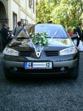 Nové autíčko novomanželů