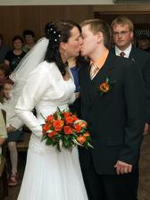 první manželský polibek :-)