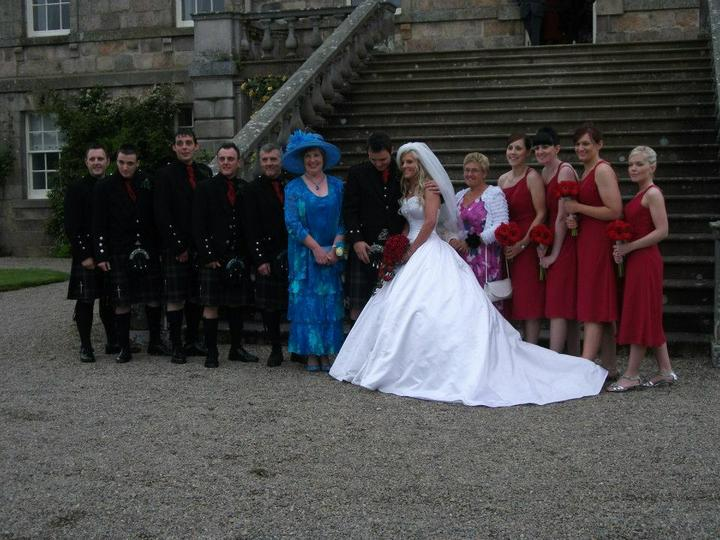 Kirsty Cameron{{_AND_}}Gordon Donald - The Wedding Party