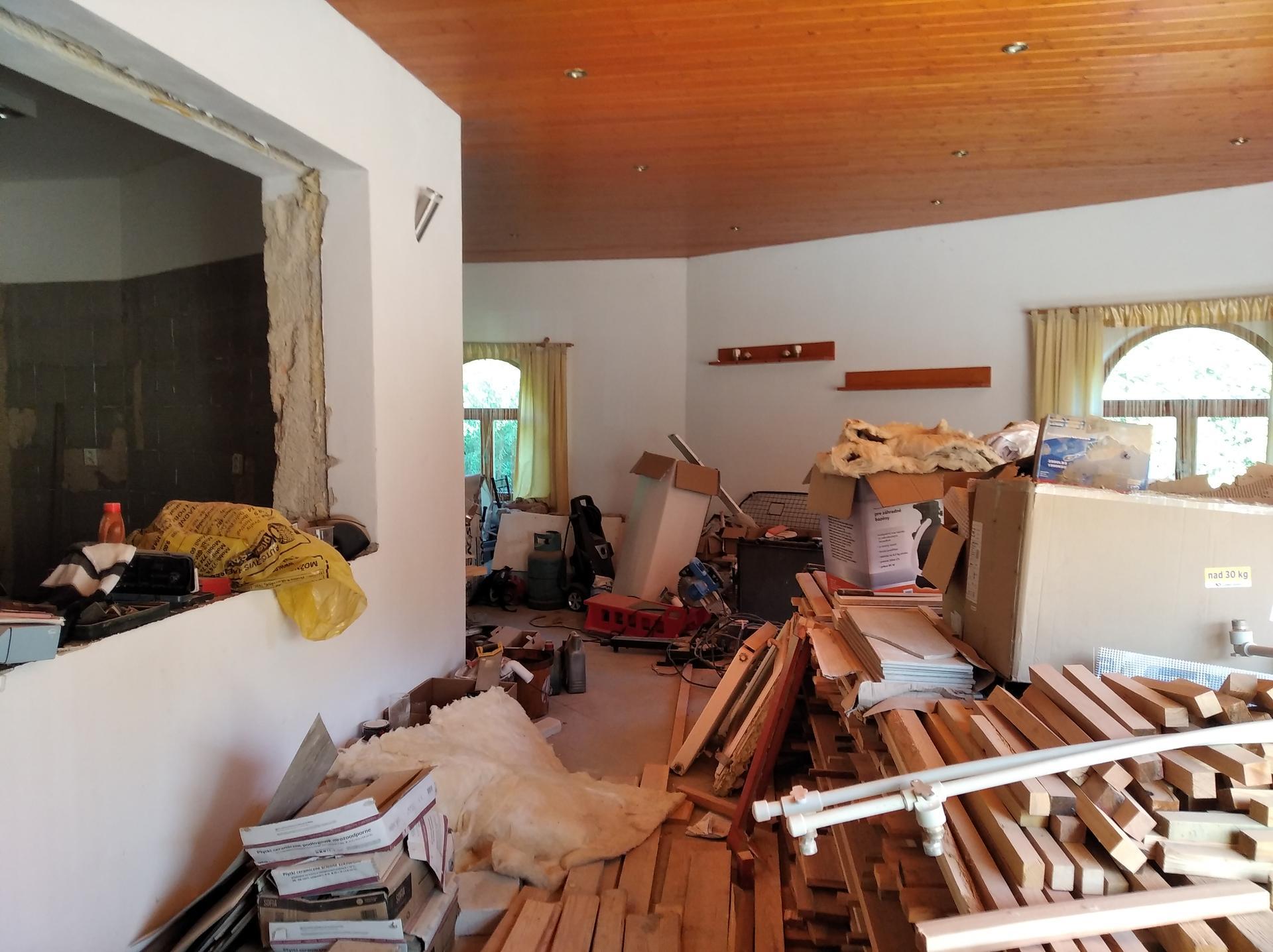 Přestavba hospůdky na bydlení - Obrázek č. 16