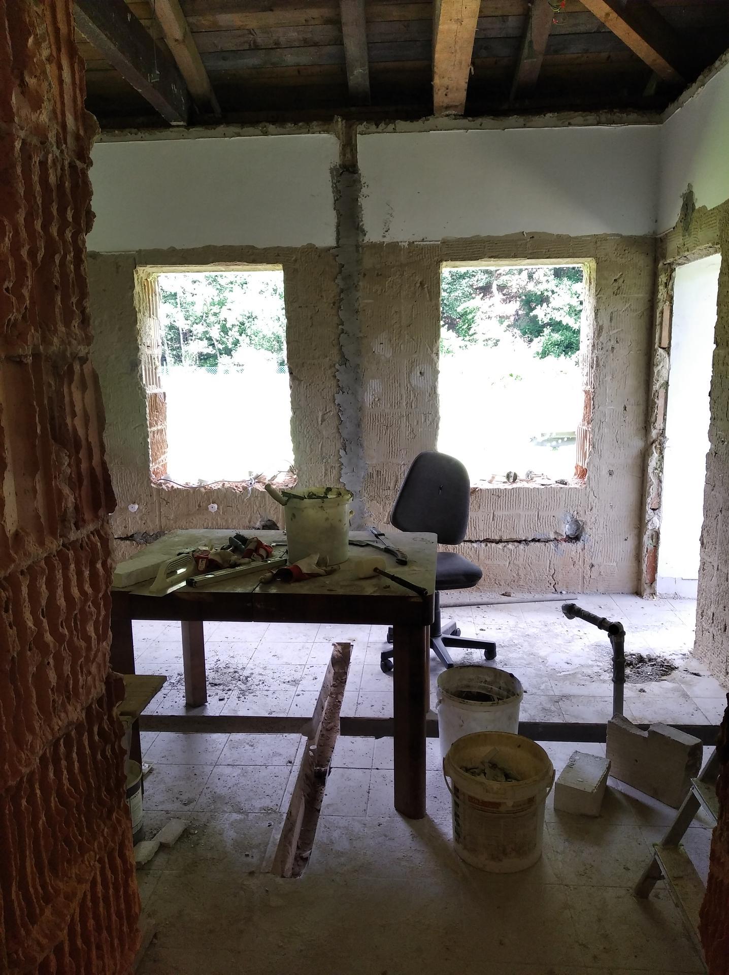 Přestavba hospůdky na bydlení - Obrázek č. 30