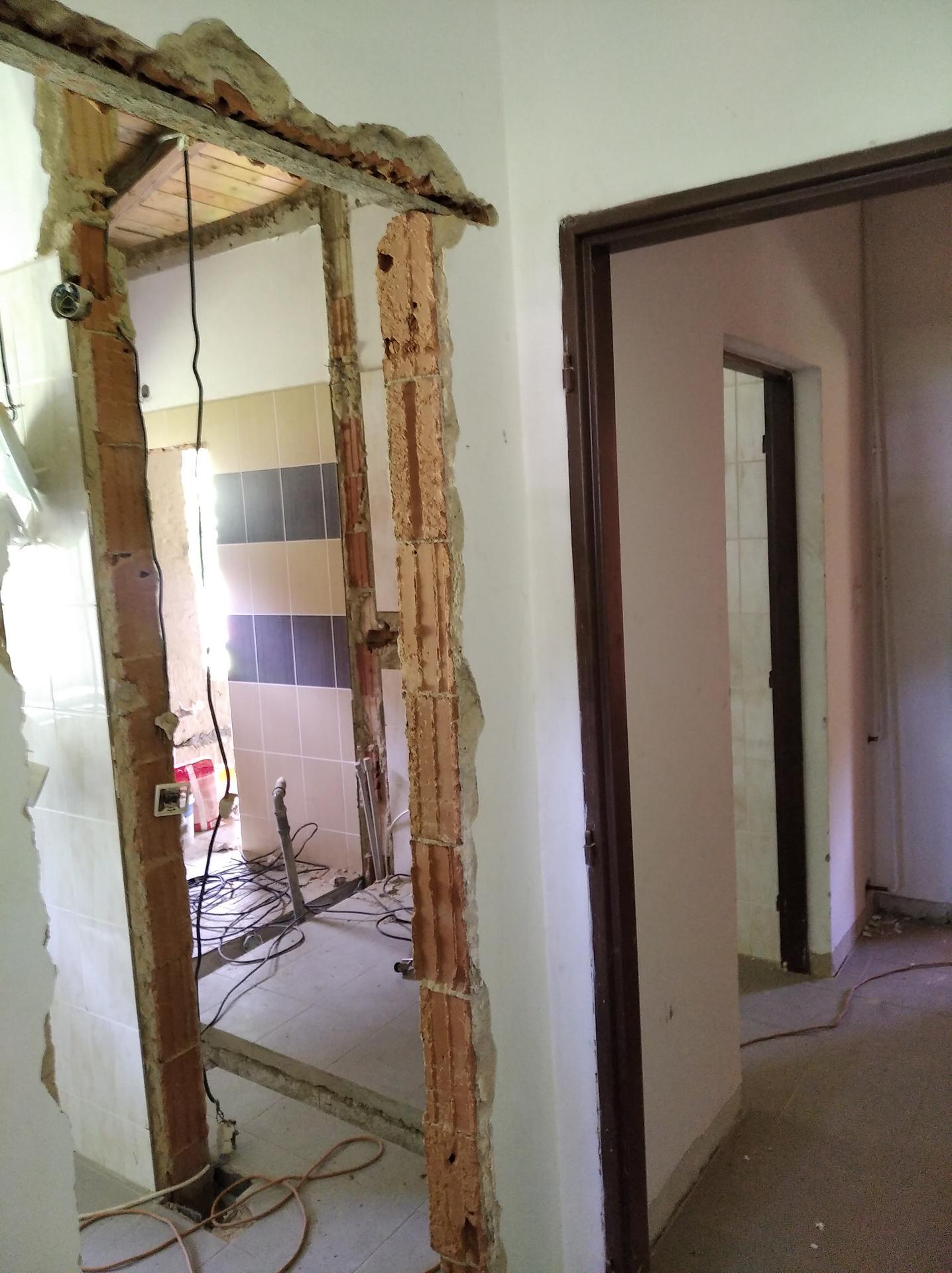 Přestavba hospůdky na bydlení - Obrázek č. 32