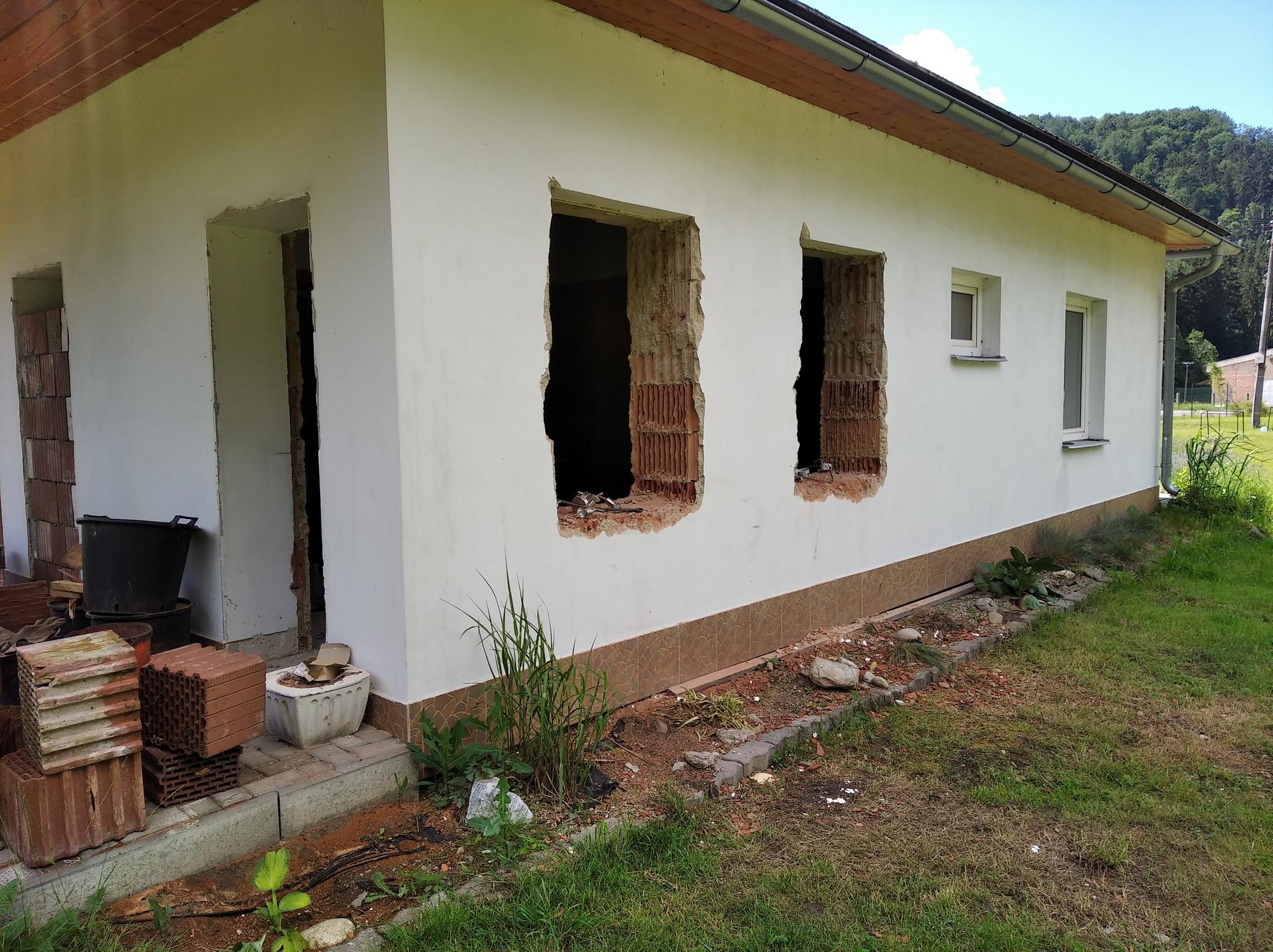 Přestavba hospůdky na bydlení - Obrázek č. 34