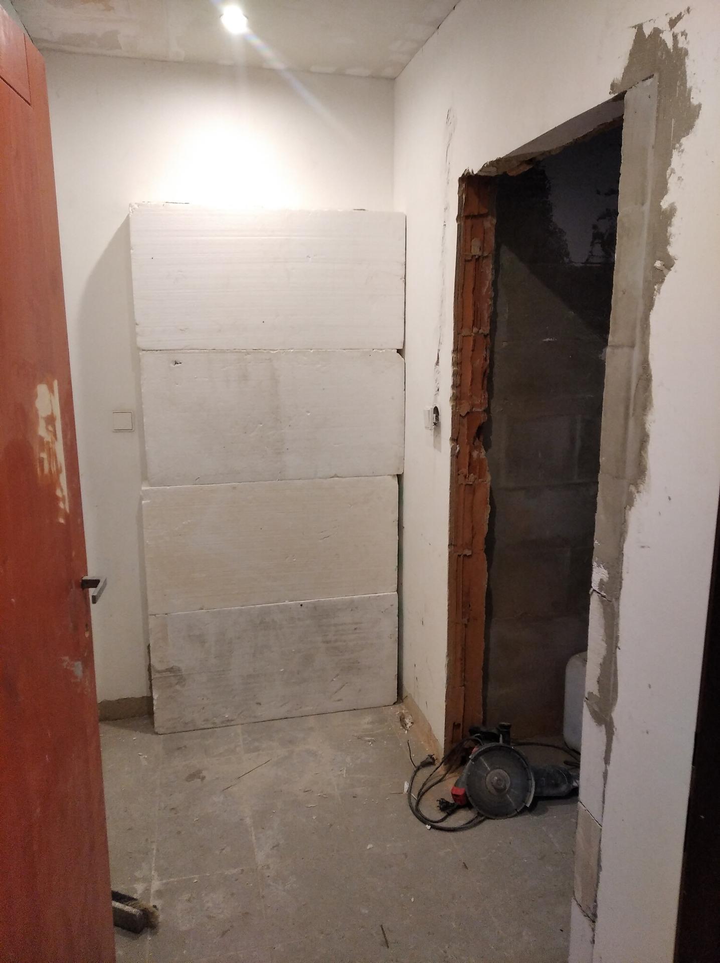 Přestavba hospůdky na bydlení - Obrázek č. 46