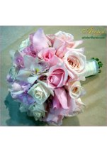 Chci ...tenhle styl vazby...a kombinace s bílými růžemi