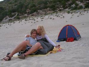 jedna noc na pláži ..... Milos pod stanem