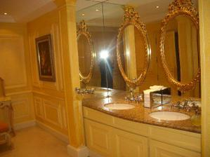 damske toalety.... v Mariott Hotel Paris