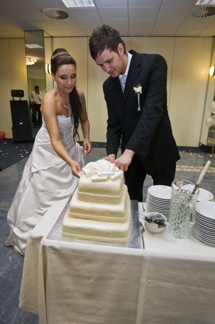 K & S - nasa svadobna torta ktoru piekla moja teta Anna