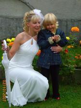 Na zahradě s nejmladší svatebčankou