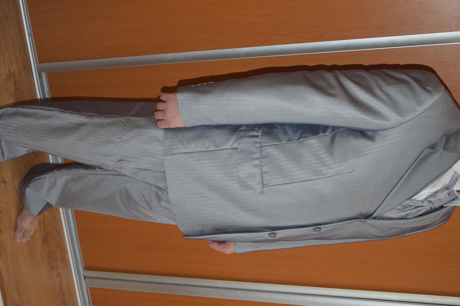Pánsky oblek+košeľa+vesta - Obrázok č. 1