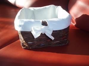 košík z papiera - oblečený