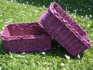 malé fialové košíčky pre radosť