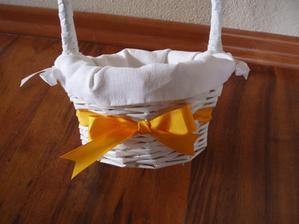oblečeny košiček na lupienky pre družičky - aj so stužkou, priemer 12 cm dole, hore 16 cm, vyska aj s uskom 50 cm