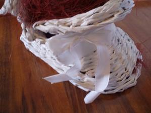 Biela papučka s bielou mašľou darček pre Peťku:)))