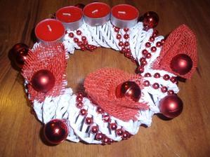 adventny vencek bielo-cerveny