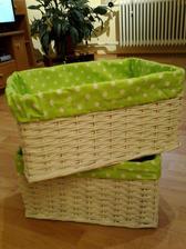 biely košík so zelenou bodkavou výstelkou 40x29x23 cm