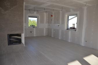 kuchyňo-obývačka - dlažba hotová-ešte zašpárovať