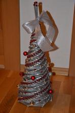 strieborno-červený stromček - 40 cm