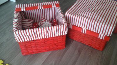 cervene kosicky s pasikavou textilnou vlozkou 31x35x25 cm