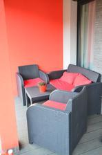 oblecene terasove sedienie - ako inak - cervene