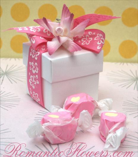 14.7.2006 - podobně bych chtěla dárky pro svatebčany zabalit