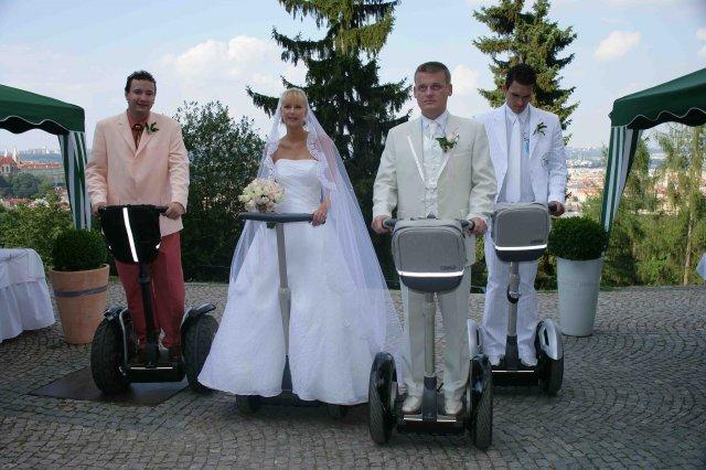 Petra{{_AND_}}Jirka - svatba na segwayích.taková malá legrácka po skutečném obřadu