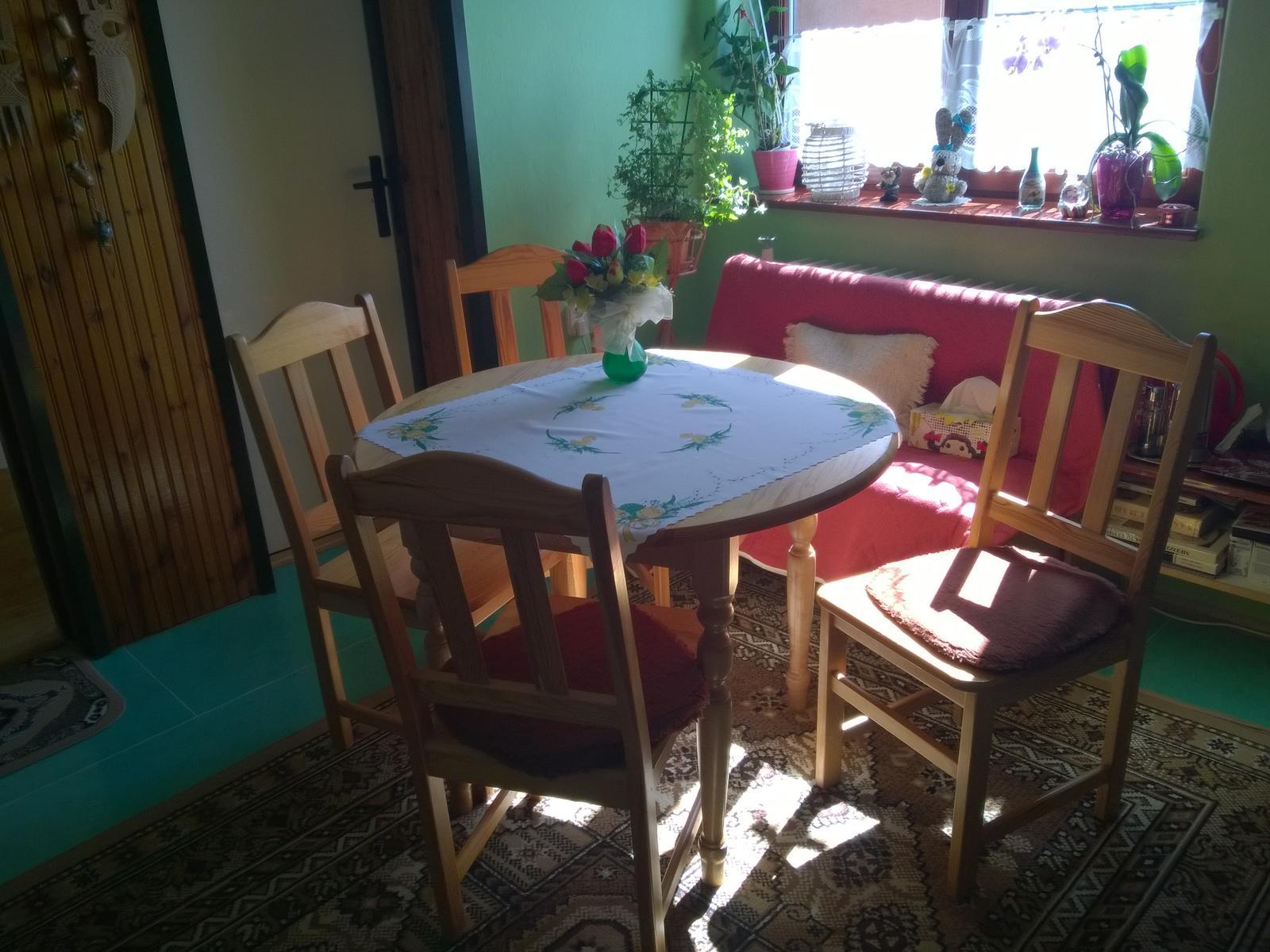 stôl a stoličky - Obrázok č. 1