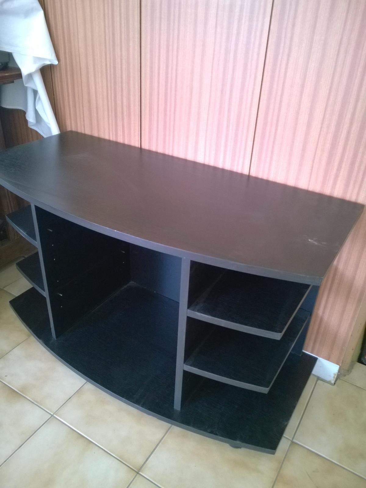stolík pod TV - Obrázok č. 1
