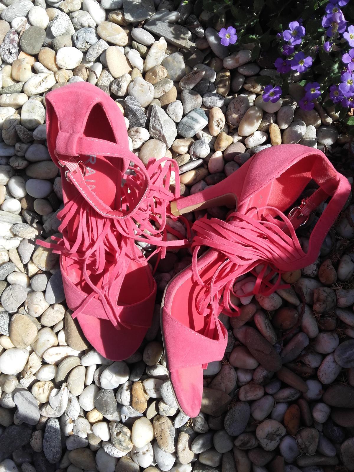 sandálky so strapcami - Obrázok č. 4