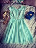 šaty s krajkou, 36