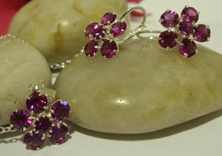 Moje šperky ... jsou víc do fuchsiova :o)