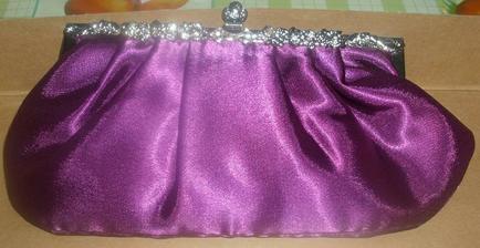 Moje kabelka, vypadá úplně jinak než v eshopu, ale nakonec to půjde zkombinovat :o)