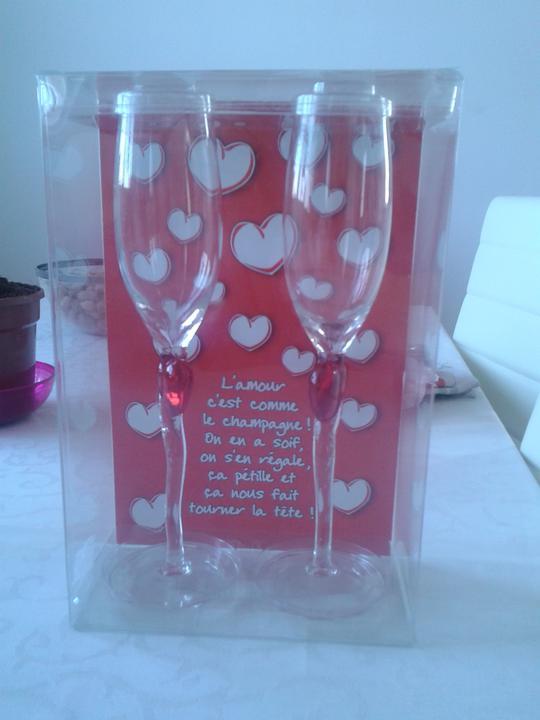 Takto nejak to bude :) - naše svadobné poháre