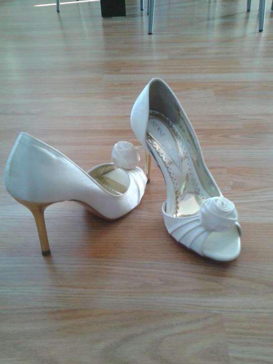 Takto nejak to bude :) - svadobné topky