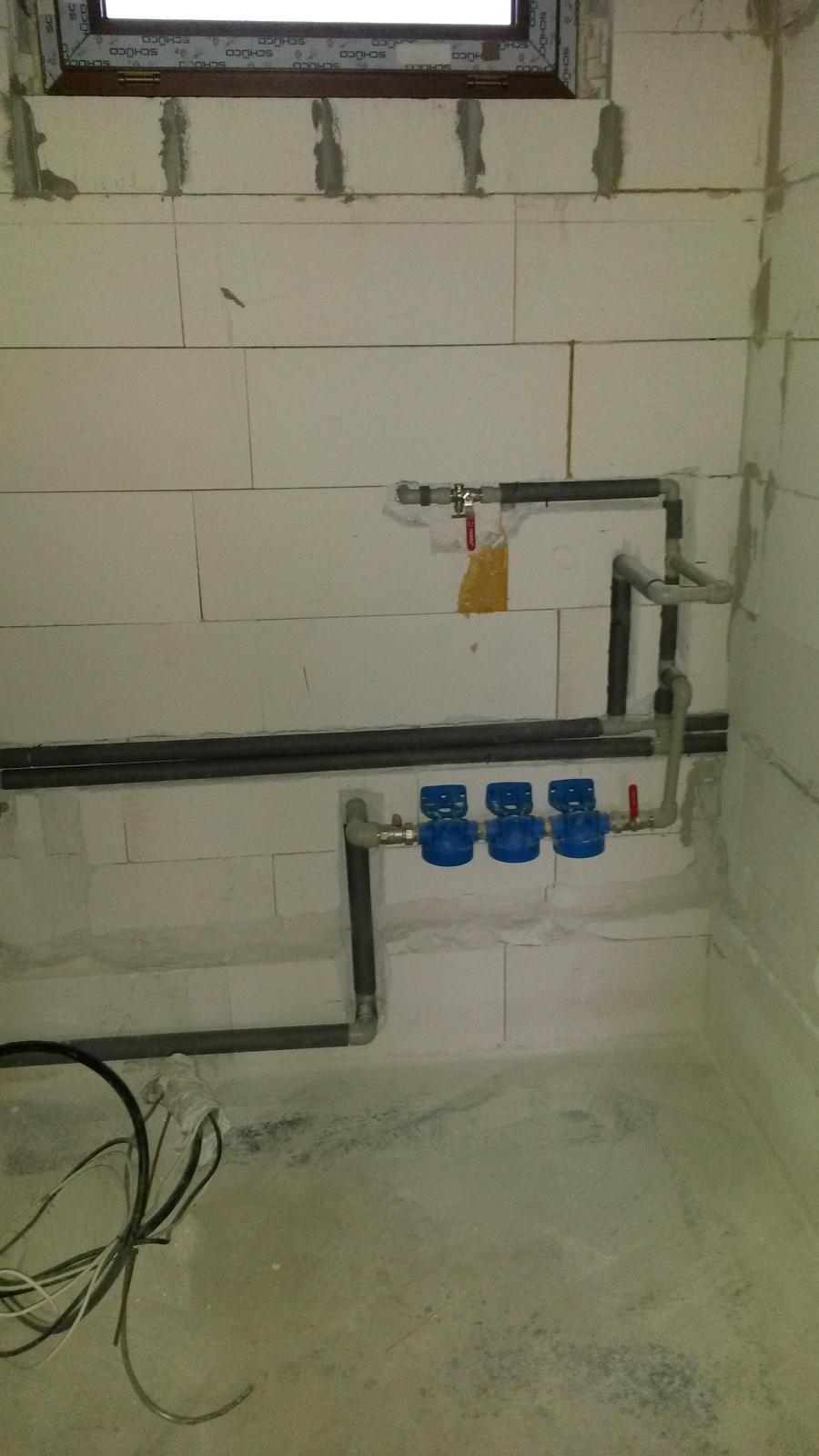 Krok za krokom... - rozvod vody v technickej miestnosti...