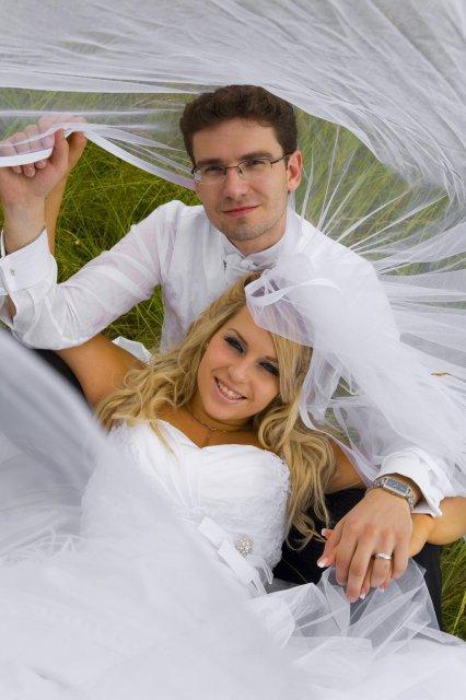 Sašo{{_AND_}}Lucka - a romantika v trave..:o)