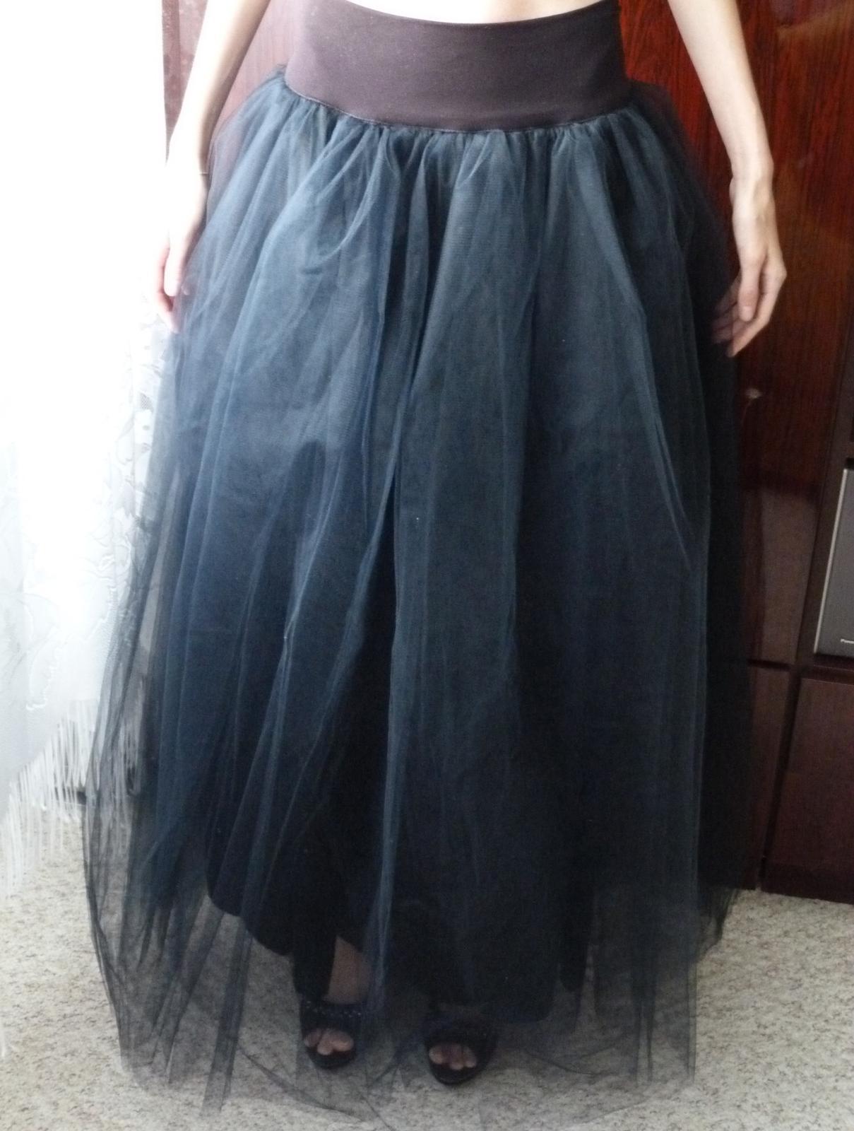 Koupila jsem tylovou sukni,... - Obrázek č. 2