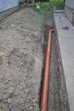 Výmena starého kanalizačného potrubia.