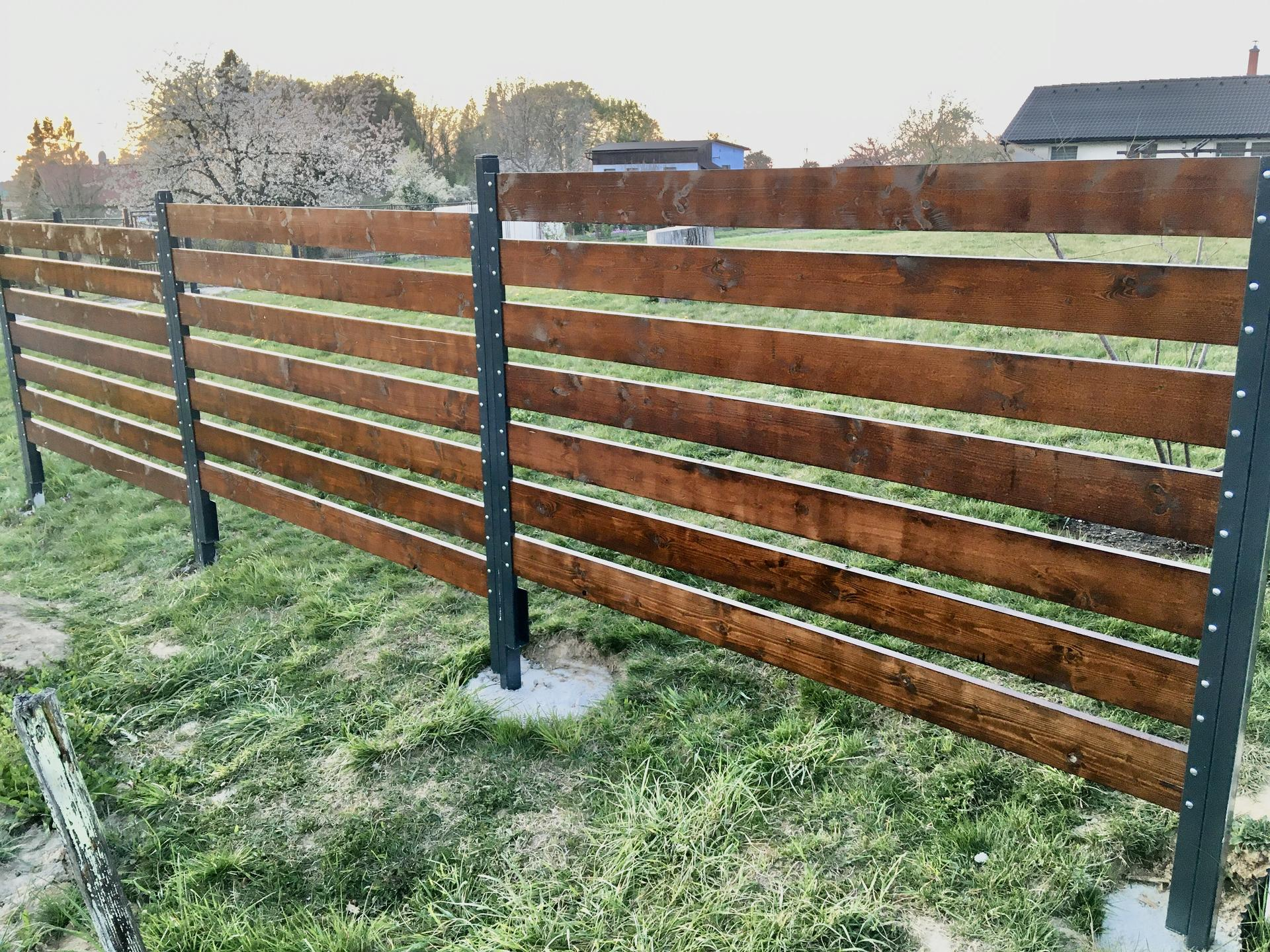 Za plotem - Obrázek č. 33