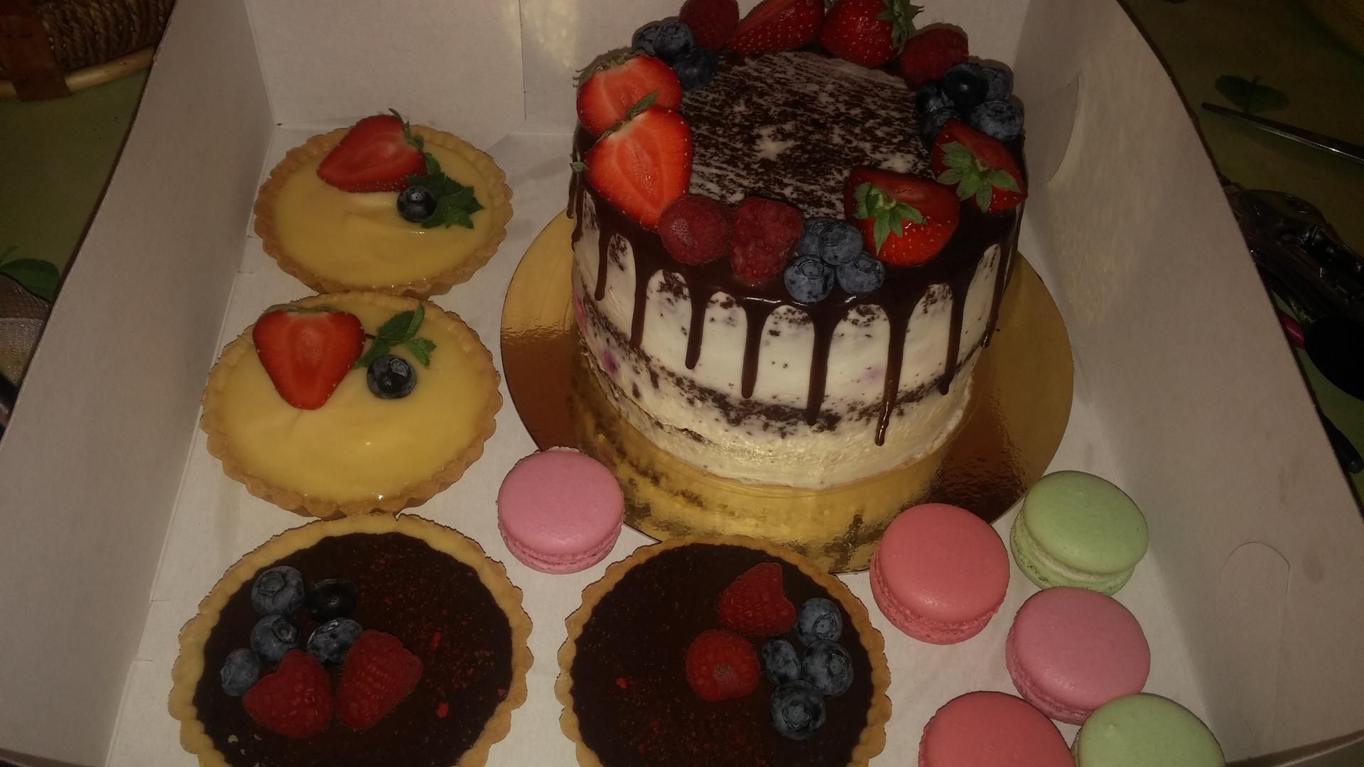 Ochutnávka sladkého od cukrařinky :) - Obrázek č. 1