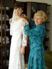 Svadobné šaty šila mama. Boli úžasné, podľa mojich predstáv.