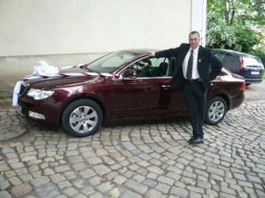 Tohle auto si koupil taťka 2 dny před svatbou, že by kvůli mě? :-)