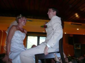 tanec na židlích, málem jsme oba spadli :-)
