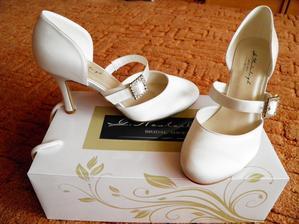 botičky jsou doma...i oblek pro Toma :)))
