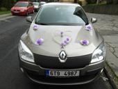 dekorace na auto pro nevěstu i ženicha,