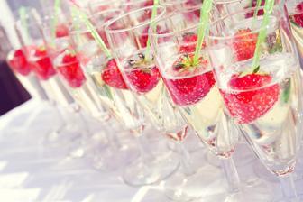 Welcome drink a občerstvení pro naše hosty na terase